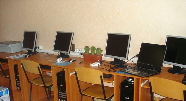 Китайські комп`ютери заполонили школи регіону