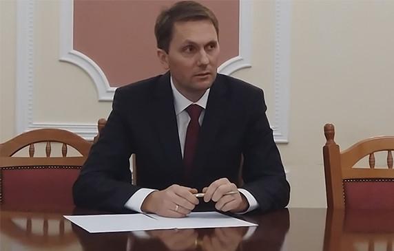 Депутати міськради звільнили Кириченка