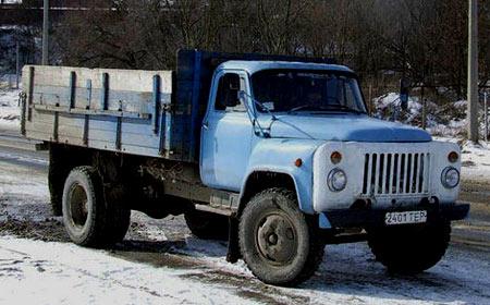 ДТП на Чернігівщині: під колесами вантажівки загинув невідомий чоловік
