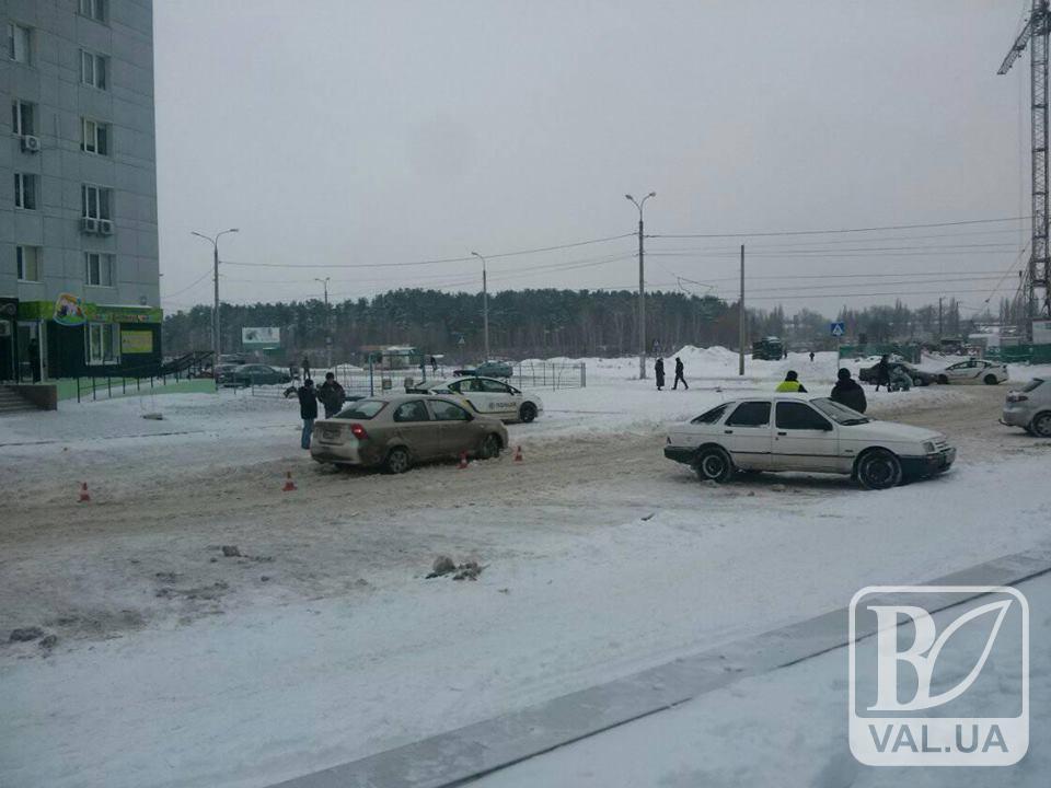 Киевлянин и житомирец не поделили дорогу в Чернигове