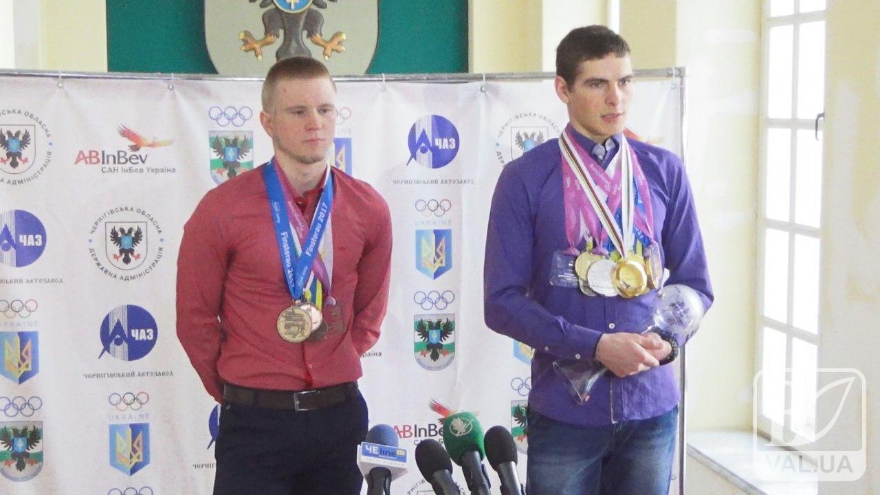 Перемога над собою: в Чернігові вшановували паралімпійців-чемпіонів. ВІДЕО