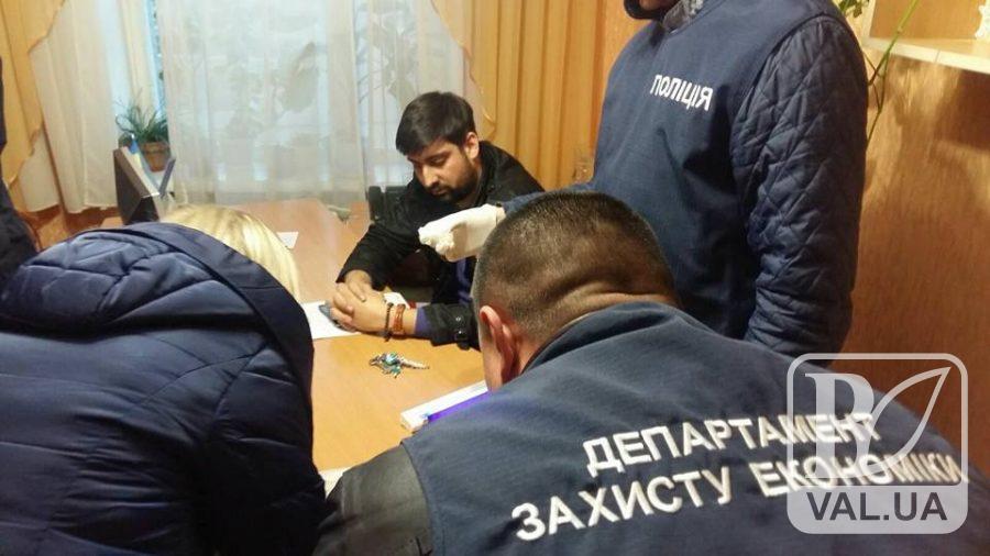 Справу депутата Чернігівської обласної ради, якого спіймали на хабарі, намагаються затягнути?