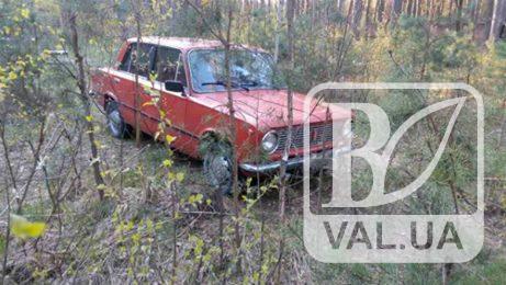 Викрадену на Масанах автівку знайшли у лісі