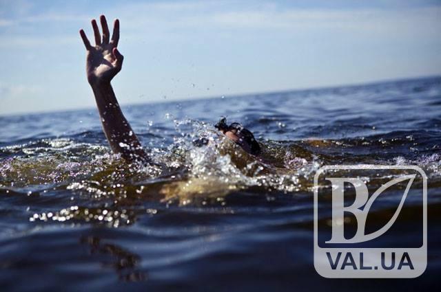 У Чернігові біля «Золотого берега» виловили труп 35-річного чоловіка