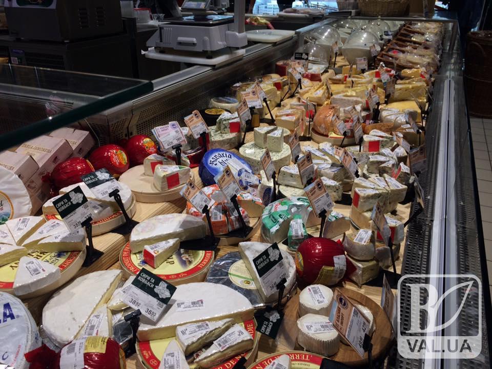 «Дуже страшні фото з України»: росіян шокував асортимент продукції чернігівського супермаркету