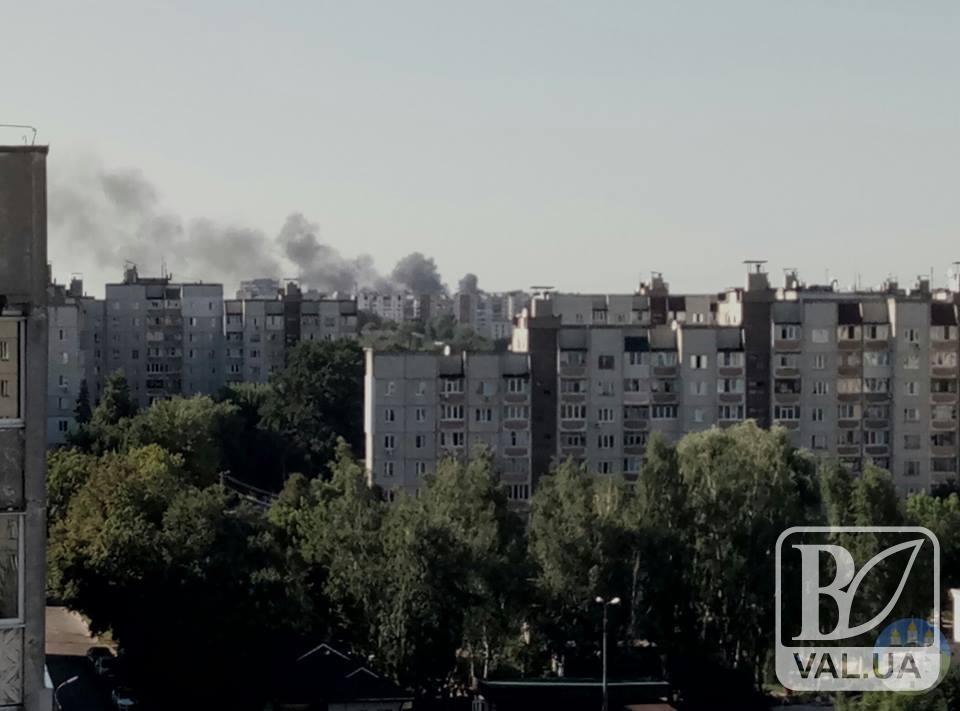 У Чернігові в районі кондитерської фабрики сталася пожежа. ФОТОфакт