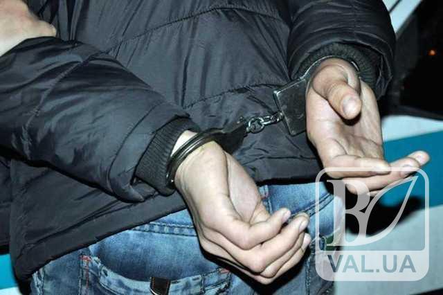 Поліція Чернігівщини затримала чоловіка, який за годину зґвалтував одну прилучанку та пограбував іншу