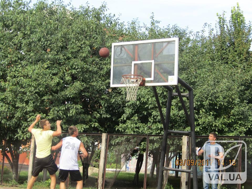 У Чернігові пройшов відкритий турнір з вуличного баскетболу