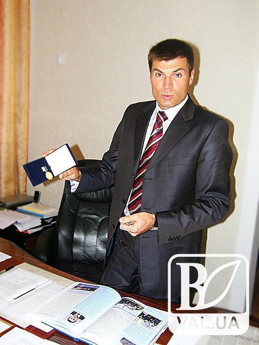 Зброя, нерухомість і готівка: декларація першого заступника Атрошенка