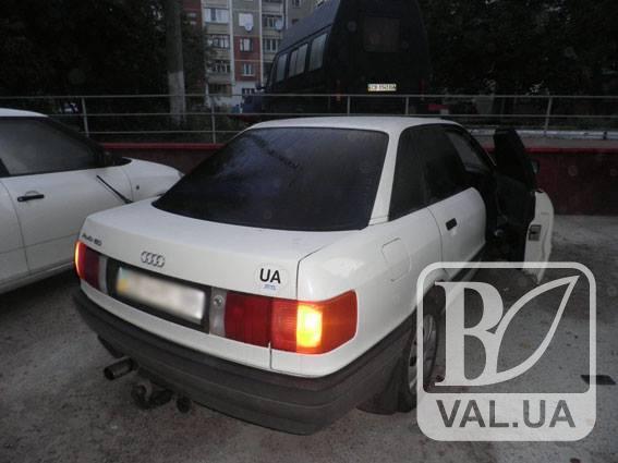 У Чернігові таксист «підробляв» викраданням автівок