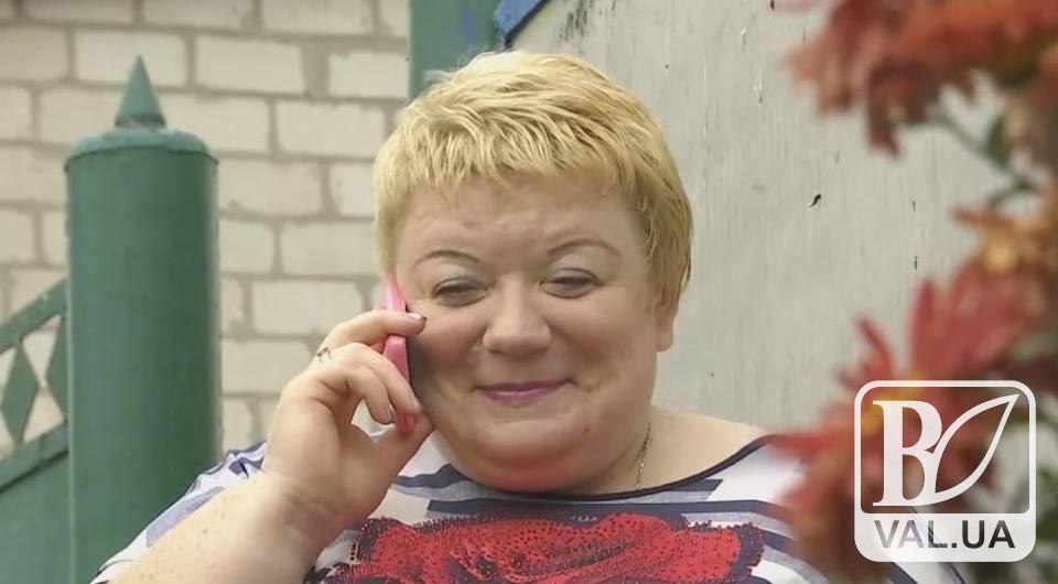 Столичні експерти «виточували» форми сільської жінки з Чернігівщини. Чи ж не марно? ВІДЕО