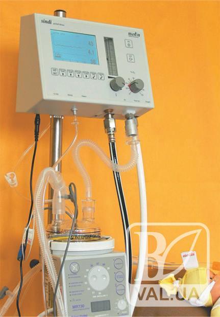 На Чернігівщині новонароджених реанімуватимуть за допомогою нового пристрою