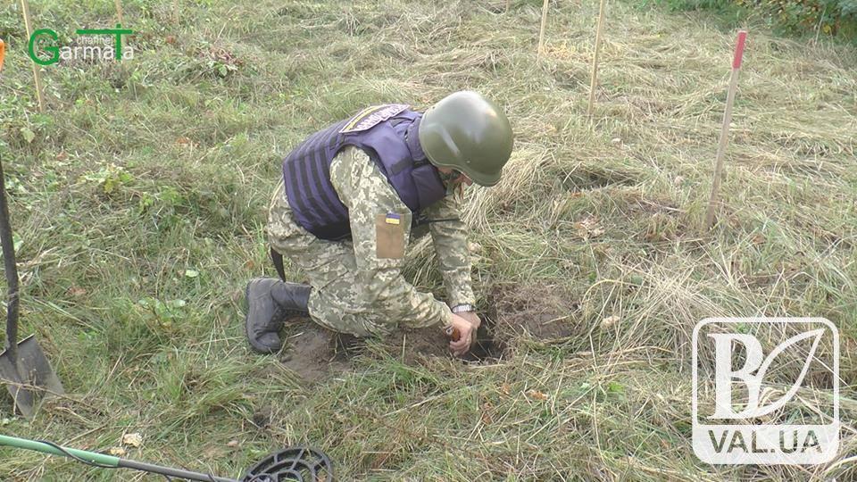 На Чернігівщині сапери «вирили» майже тисячу снарядів