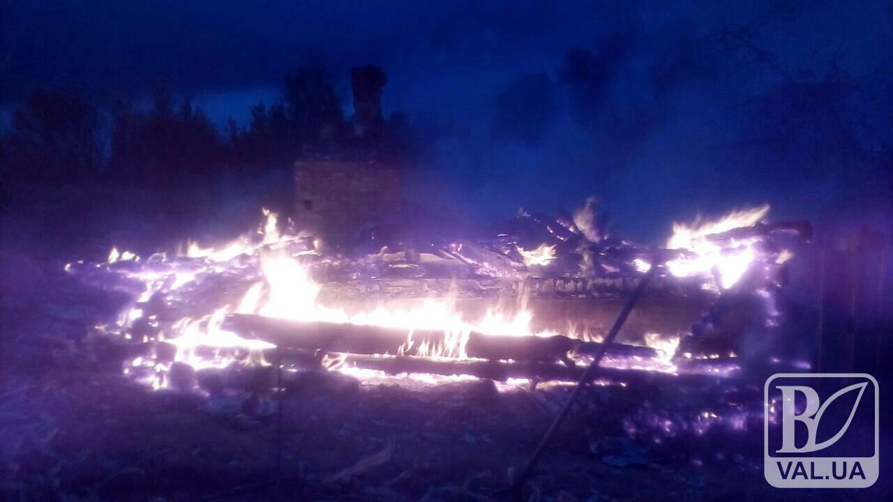 На Чернігівщині вщент згорів будинок разом з господарем