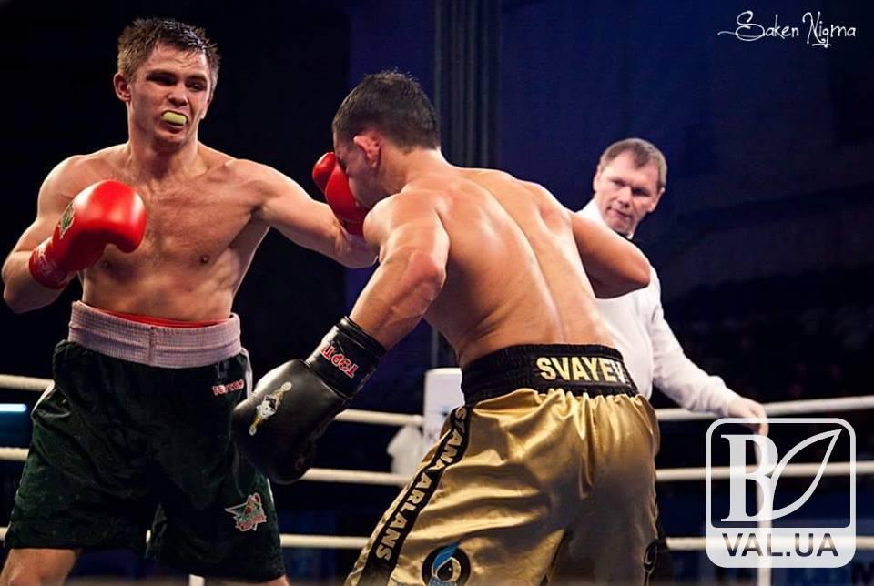 Відомий чернігівський боксер переміг у першому професіональному бою в США. ВІДЕО