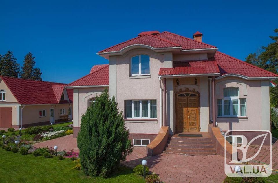 У Царському Селі продають будинок за 10 мільйонів гривень