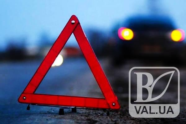 У Чернігові водій «Skoda Octavia» збив двох пішоходів