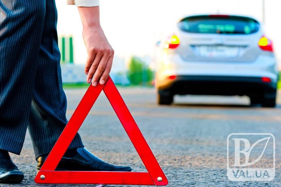 У Чернігові автівка збила пішохода на перехресті