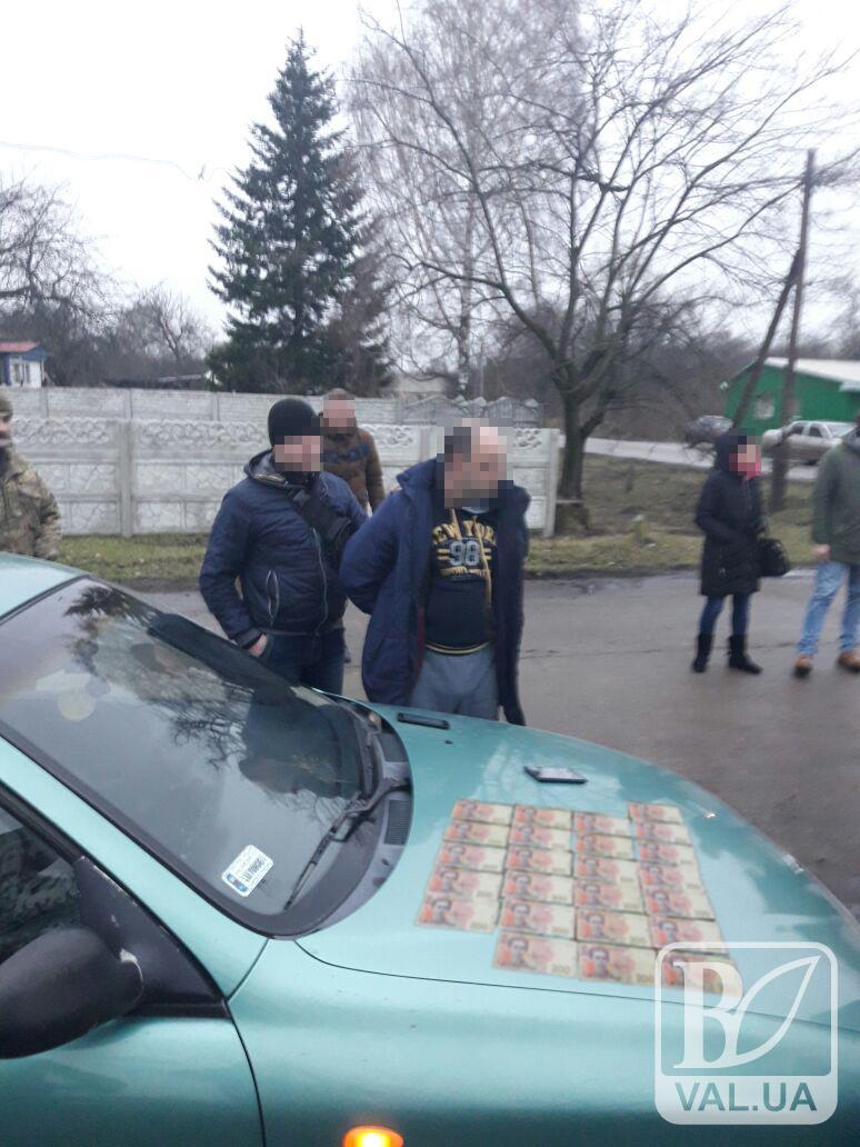 На Чернігівщині СБУ викрила на хабарі двох співробітників поліції