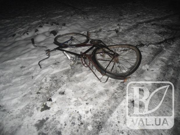 Збив і зник: на Чернігівщині автівка збила велосипедиста