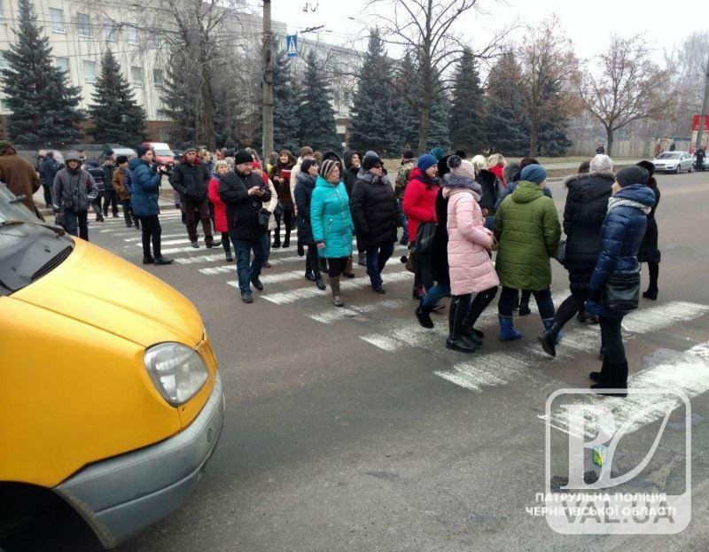 Рух громадського транспорту через проспект Перемоги відновлено