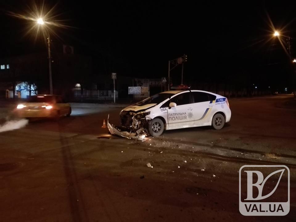 Мінус Prius: в Чернігові ДТП за участю патрульної поліції. ФОТО