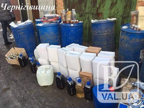 На Чернігівщині у бутлегерів вилучили три тонни спирту та дві тонни алкогольної продукції