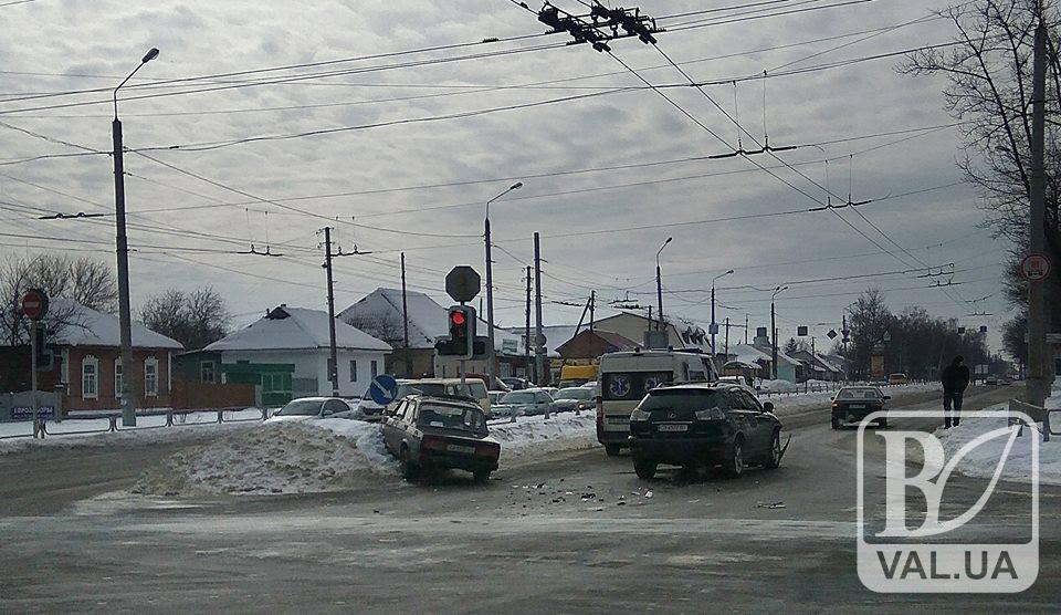 У ДТП в Чернігові постраждав водій. ФОТО