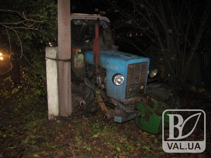 За п'яним охоронцем на тракторі ганялися всім селом