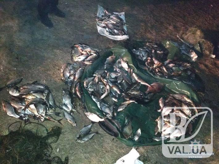 Водна поліція Чернігівщини затримала на Дніпрі трьох браконьєрів з Київської області