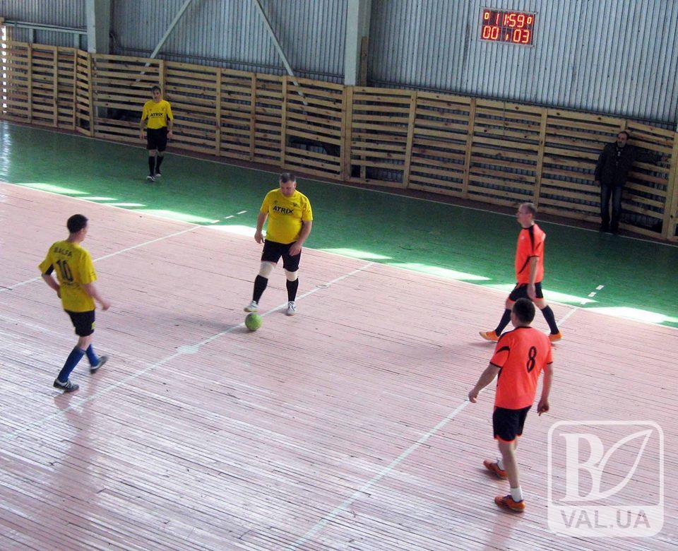 Турнір в пам'ять про друга: на Коропщині грали у футбол ветерани. ФОТО