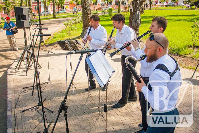 Містом лунають звуки старовинної музики. ФОТОрепортаж