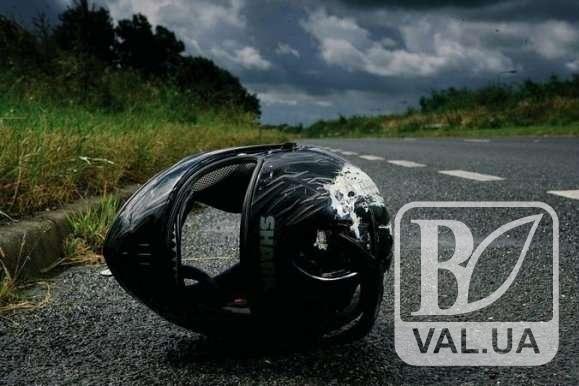 У Бобровиці 22-річний мотоцикліст не вижив після зіткнення з деревом