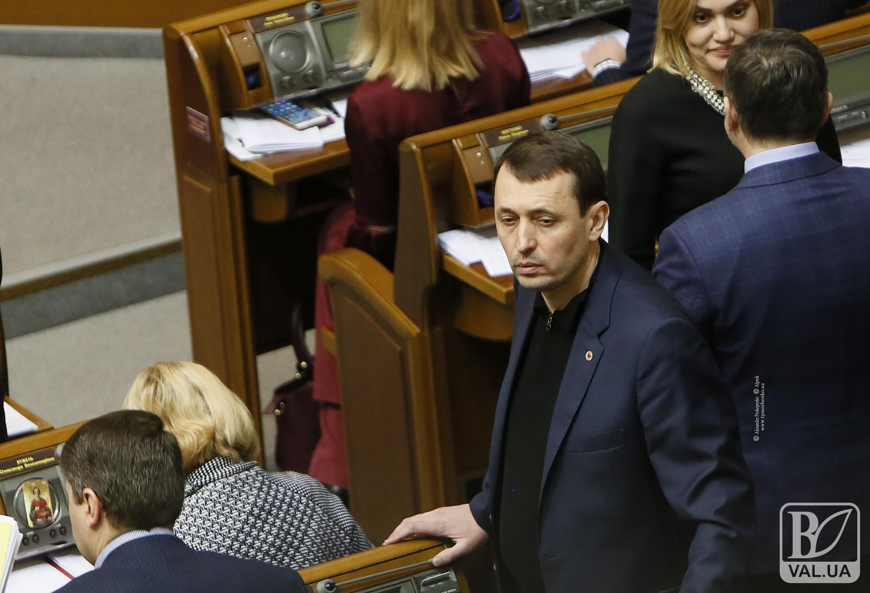 Українці з власної кишені платять за медицину більше, аніж держава