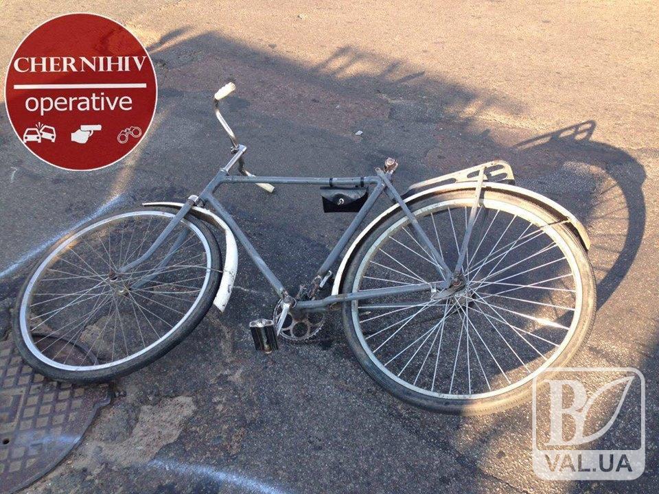 Розшукується автомобіль, який збив велосипедиста на Глібова