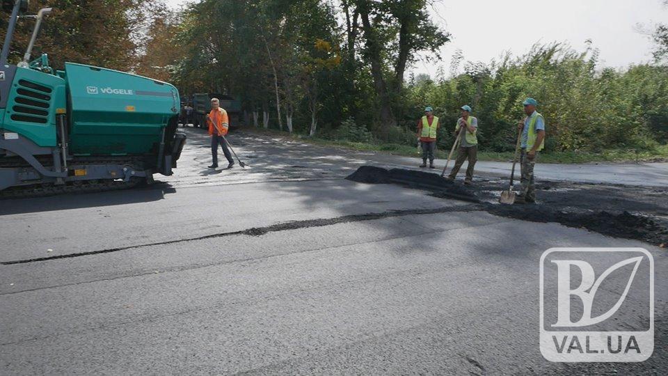 На Чернігівщині вперше за 40 років відремонтували сільську дорогу. ВІДЕО