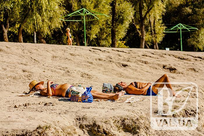 """На """"Золотому"""" й досі триває пляжний сезон. ФОТОрепортаж"""