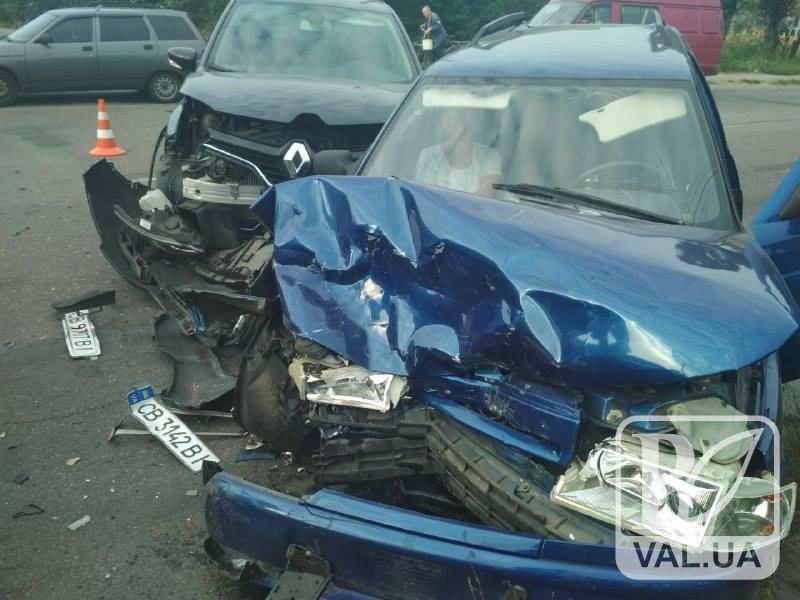 Моторошна ДТП в Олександрівці: є постраждалі. ФОТО