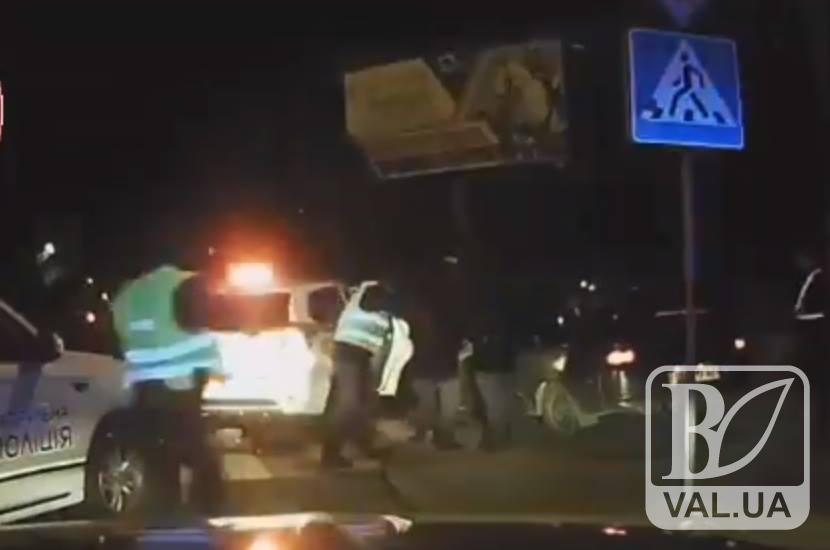 """П'яний чернігівець на """"ладі"""" влаштував нічні перегони з поліцейськими. ФОТО"""