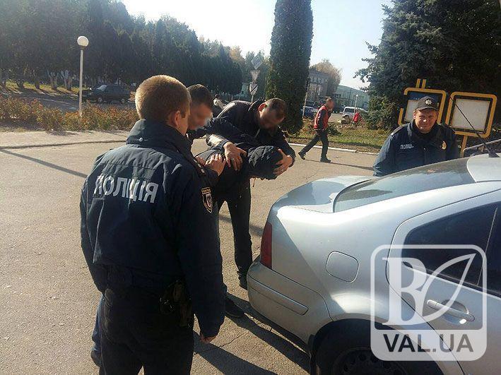 Поліція Чернігівщини затримала банду розбійників, яка влітку напала на родину священика у Менському районі