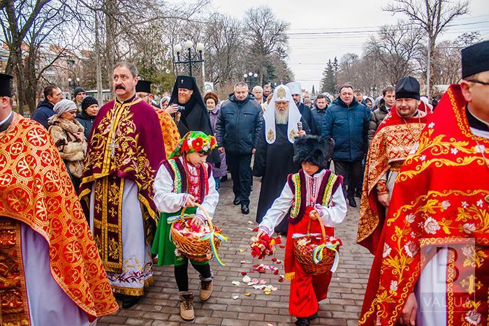 У Чернігові зустрічають святійшого Патріарха. ФОТОрепортаж