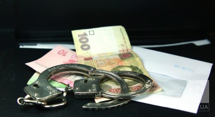 На Чернігівщині коп прийняв хабар від порушниці: поліція проводить розслідування