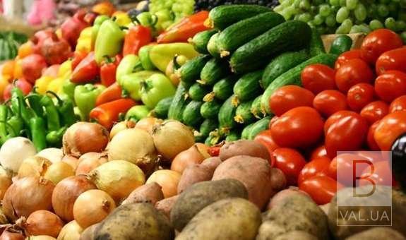 Не вродило: наскільки подорожчали овочі, фрукти, крупи та інші рослинні продукти