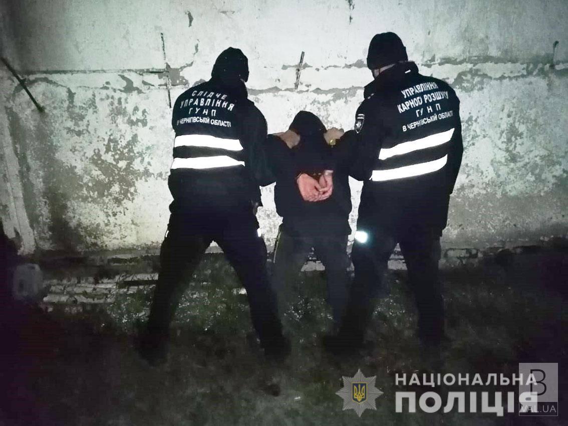 На Чернігівщині два брати пограбували свого 74-річного сусіда та задушили його шнурком