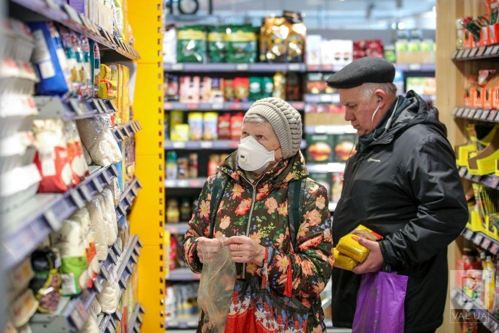 Коронавірус на Чернігівщині: 203 людини захворіли, 177 одужали та одна померла
