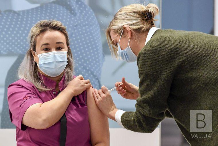 2 217 жителів Чернігівщини вакцинували від коронавірусу за минулу добу