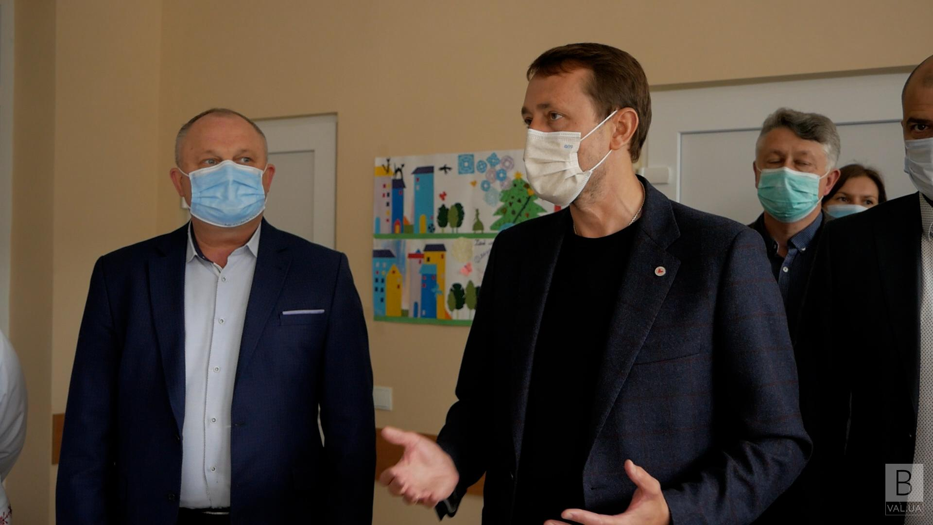 Рятувати людські життя: Гончарівська та Михайло-Коцюбинська громади отримали медичну техніку від Валерія Дубіля