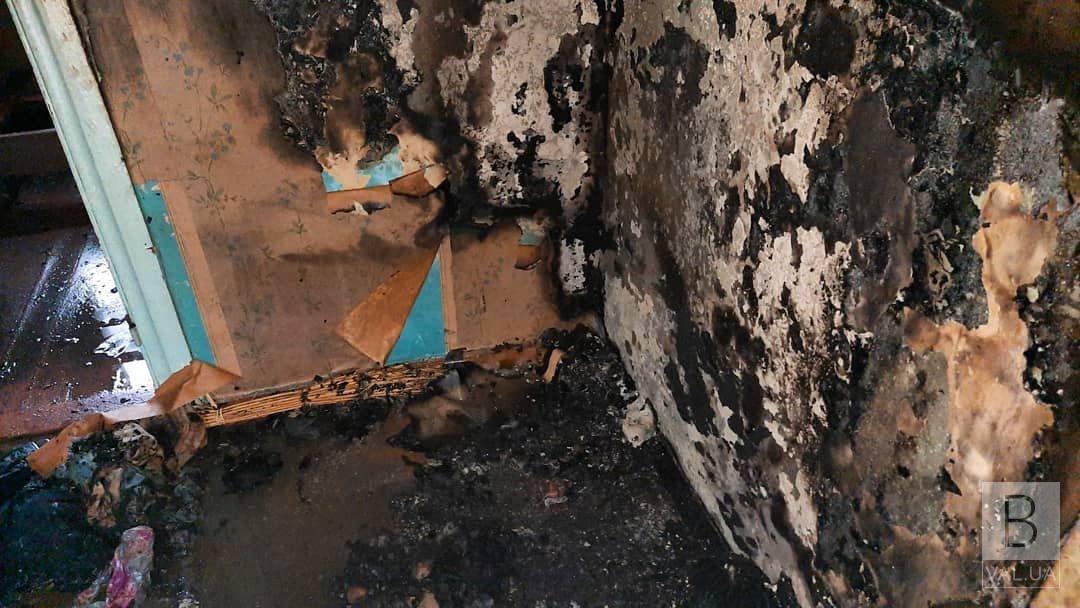 У Чернігові через коротке замикання мережі сталася пожежа в житловому будинку