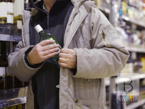Замість 2 років – 4,6: рецидивіста засудили за серію крадіжок з супермаркетів Чернігова