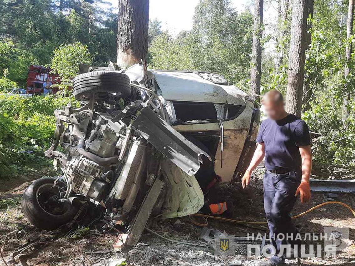 Поліція розшукує свідків смертельної ДТП неподалік Славутича, в якій загинули двоє водіїв. ФОТО
